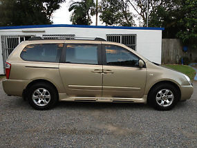 Kia Grand Carnival (EX) Wagon Auto 3.8L Gold Colour 8 seats Gold Coast image 2