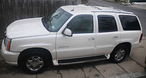 Cadillac Escalade white with premium package must see!!