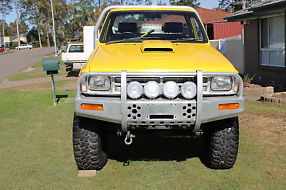 1986 toyota hilux 4x4 V8 project tough truck 253 holden image 8