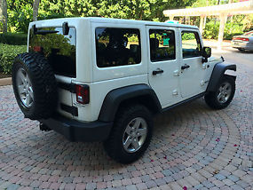 2012 Jeep Wrangler Unlimited Rubicon Sport Utility 4-Door 3.6L
