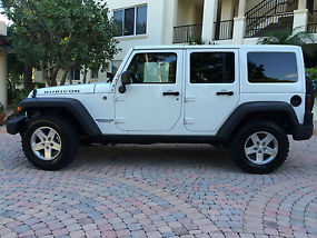 2012 Jeep Wrangler Unlimited Rubicon Sport Utility 4-Door 3.6L image 1