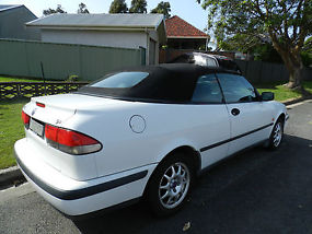 Saab Convertible 1999 Model image 3