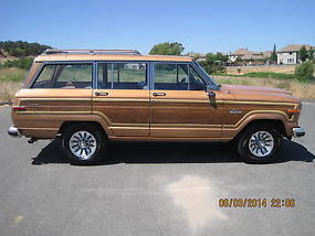 RUST FREE CALIFORNIA ALL ORIGINAL 2 OWNER WAGONEER 4X4 TILT, CRUISE, AC, PS, PDB image 6