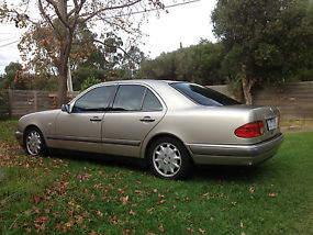 MERCEDES BENZ E320............TUNGSTEN image 2