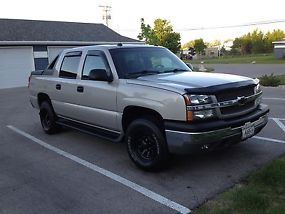Z71Crew cab 4X4 1500 series Silver Birch color newly painted! new tires and rims image 1