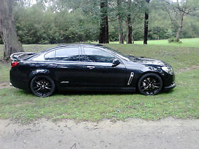IMMACULATE 2013 HOLDEN VF SSV COMMODORE REDLINE SEDAN image 3