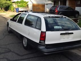 1991 Oldsmobile Custom Cruiser Station Wagon image 1