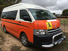 Toyota Hiace Commuter (2008) Bus 4 SP Automatic (3L - Diesel Turbo F/INJ) 14... image 1