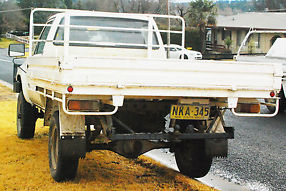 TOYOTA HILUX 4x4 Ute 2.4L Diesel --> ONE OWNER, PICKUP FROM TAMWORTH image 8