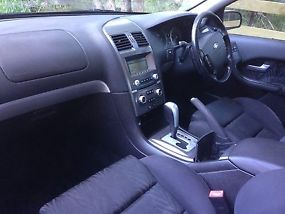 Ford Falcon XR6 (2004) 4D Sedan 4 SP Auto Seq Sports (4L - Multi Point F/INJ)... image 1