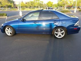 2001 Lexus IS300 Base Sedan 4-Door 3.0L image 3