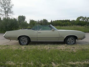1972 Oldsmobile Cutlass Supreme Convertible image 1