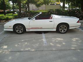 1984 camaro z28 convertible with iroc z look rare 2 seater convertible sweet. Black Bedroom Furniture Sets. Home Design Ideas