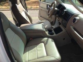 2003 Ford Expedition Eddie Bauer Sport Utility 4-Door 5.4L image 4