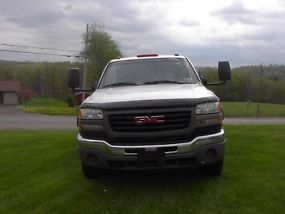 2007 GMC 3500 UTILTIY TRUCK WITH 6.6 DIESEL DURAMAX AND ALLISON 4X4 image 2