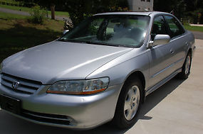 2002 Honda Accord EX Sedan 4-Door V-6 3.0L; GREAT CONDITION! image 2