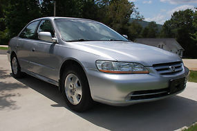2002 Honda Accord EX Sedan 4-Door V-6 3.0L; GREAT CONDITION! image 7