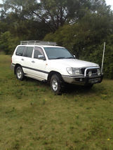 2002 Toyota Landcruiser GXL 4X4 - MUST SELL image 1