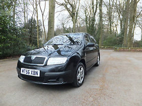 Skoda favia 1 2 htp 54bhp classic 5 doors hatchback black for Garage skoda 92