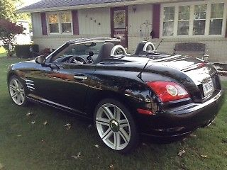 2005 Chrysler Crossfire Limited image 2