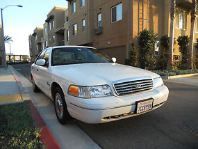 Ford Crown Victoria dedicated CNG vehicle LOW LOW miles SOLO carpool access CA image 2