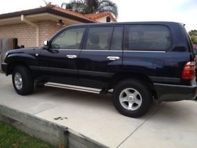 2002 Toyota Landcruiser 100 series (negotiable) image 2