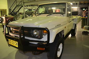 Toyota Landcruiser (4x4) (1996) Cab Chassis 5 SP Manual 4x4 (4.2L - Diesel) image 3