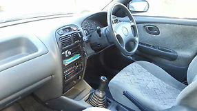 Suzuki Baleno GLX (2000) 4D Wagon 5 SP Manual (1.6 fuel) - 144,000 Kms image 5