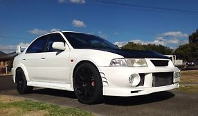 Mitsubishi Lancer Ralliart Evolution VI 1999 4D Sedan 5 SP Manual (2L -... image 3