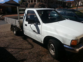 Holden Rodeo dlx (1989)Cab chasis 5 SP Manual (2.6L may sw@p)