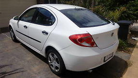 Proton Gen 2 2011 White27,000 kms only image 2