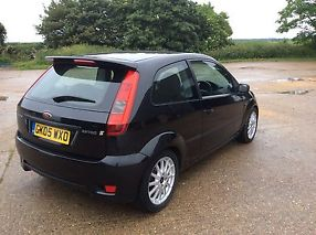 FORD FIESTAZETEC S 1.6 2005 BLACK 2 FORMER OWNERS SERVICE HISTORY MOT AND TAX image 1