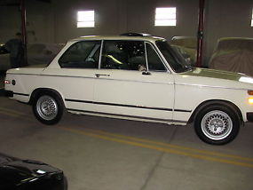 1976 BMW 2002 Base Coupe 2-Door 2.0L image 1