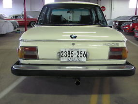 1976 BMW 2002 Base Coupe 2-Door 2.0L image 4