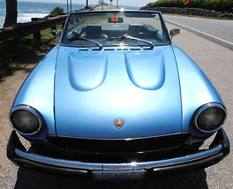 Beautiful azure blue Fiat Pinanfarina in mint condition and perfect condition. image 1