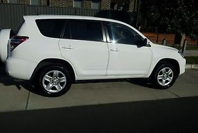 Toyota Rav4 CV (4x2) (2010) 4D Wagon Manual (2.4L - Multi Point F/INJ) 5 Seats image 3