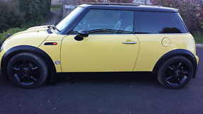 Mini Cooper 1.6 3dr Hatchback image 1