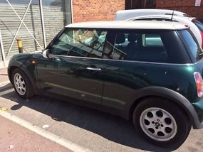 Mini Cooper 2002 1.6 petrol. spares or repair image 1