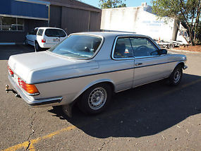 MERCEDES BENZ 280CE 2DR COUPE 1978 SUNROOF with LOG BOOKS image 8