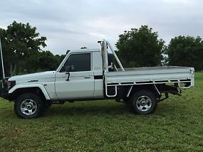 Toyota Landcruiser (4x4) (2005) Ute 5 SP Manual 4x4 (4.2L - Turbo Diesel) image 3