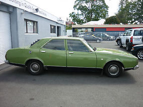 P76 Executive (1974) 4D Sedan Automatic (4.4L - Carb) Seats