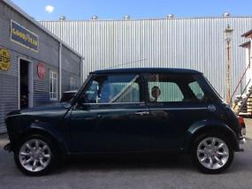 1999 Rover Mini British Racing Green Limited Edition Sports Pack  image 2