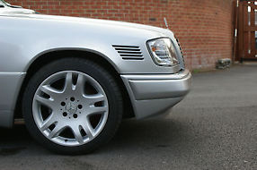 MERCEDES BENZ W124 E300 DIESEL. REAL CLASSIC image 6