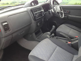 MITSUBISHI L200 IN VERY GOOD CONDITION image 8