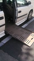 2006 Dodge Grand Caravan - Braun Entervan Handicap/Wheelchair Accessible image 2