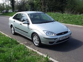 FORD FOCUS 1.6 LX RARE SALOON AUTOMATIC DRIVES SUPERB YEARS M.O.T,EXTRAS image 3