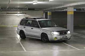 Subaru Forester XS Luxury (2003) 4D Wagon 5 SP Manual (2.5L - Multi Point... image 4