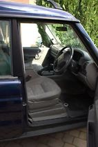 Land Rover Discovery 2 GS TD5 AUTO image 2