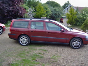 VOLVO V70 T5 AUTO ESTATE 7 SEATER 2001 T&T LEATHER image 1