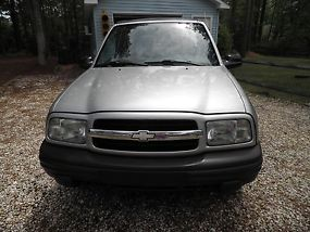 2001 Chevrolet Tracker Base Sport Utility 2-Door 2.0L image 4